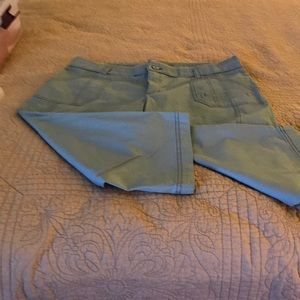 Lee relaxed fit skimmers, size 16 medium.